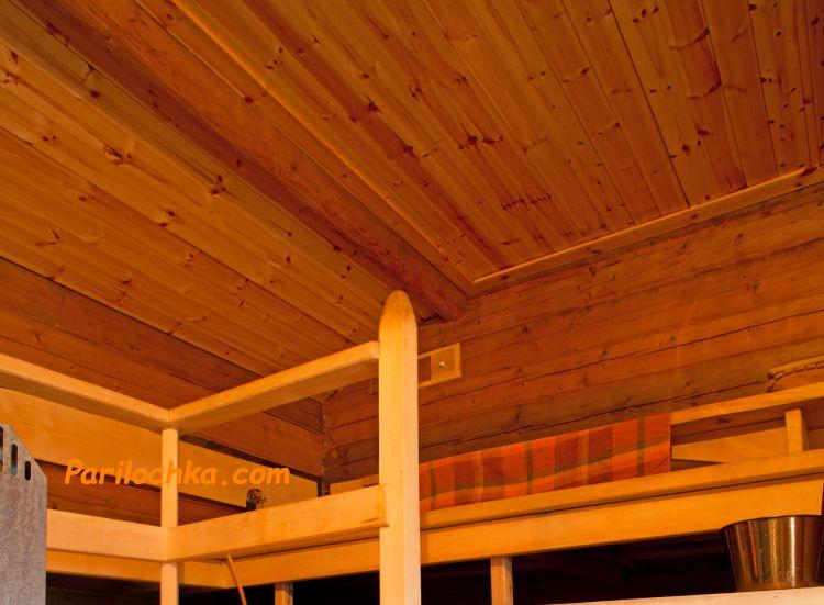 потолок в бане обшит вагонкой