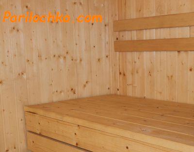 деревянный полок в бане
