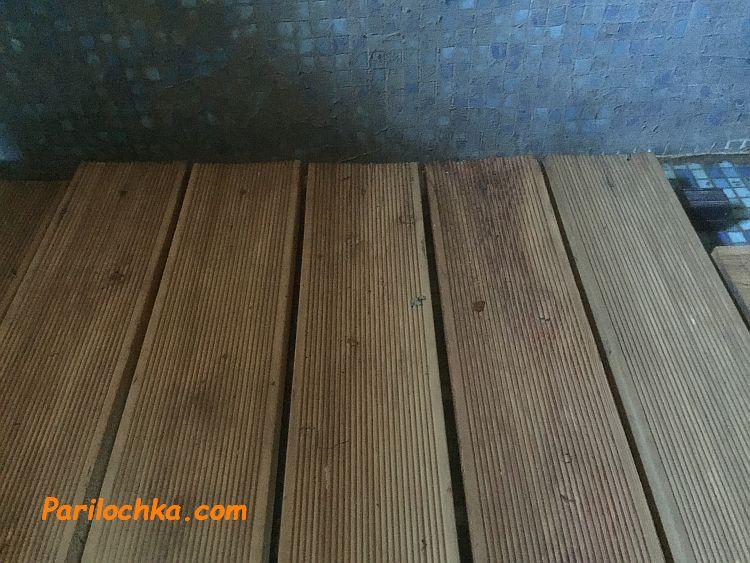 террасная доска на полу в бане